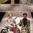 Karen Elson, Kailand Morris lors du défilé Dolce & Gabbana pour la collection Prêt-à-Porter Printemps/Eté 2019 lors de la Fashion Week de Milan, Italie, le 23 septembre 2018.