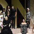 Eva Herzigova et Monica Bellucci lors du défilé Dolce & Gabbana pour la collection Prêt-à-Porter Printemps/Eté 2019 lors de la Fashion Week de Milan, Italie, le 23 septembre 2018.