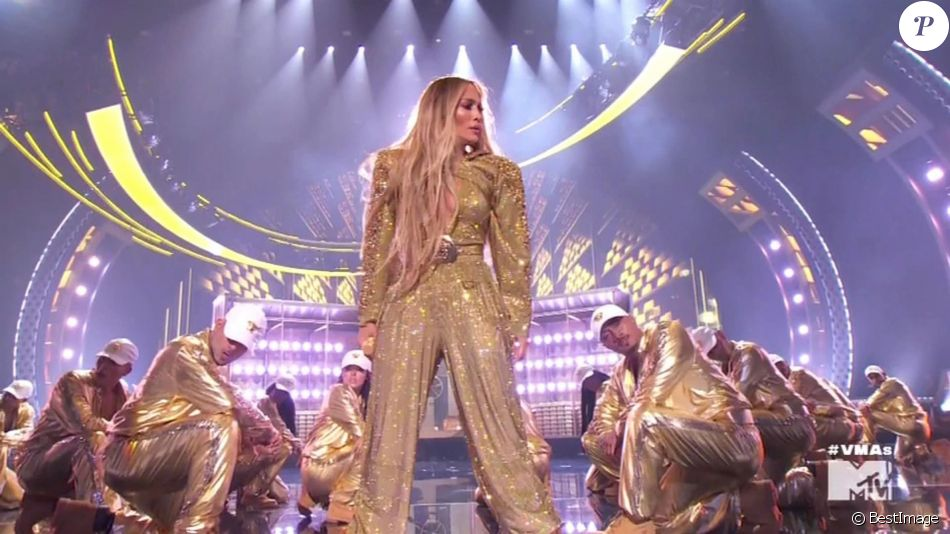 Jennifer Lopez lors de sa performance aux MTV Video Awards au Radio City Hall à New York, le 20 août 2018.