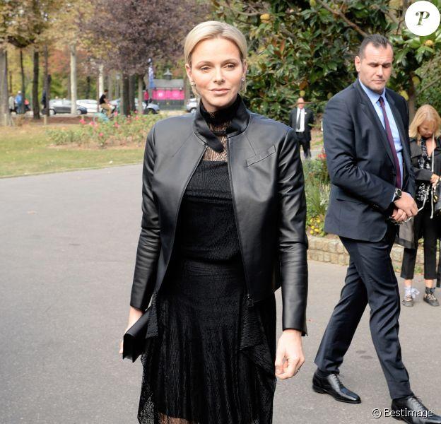 La princesse Charlene de Monaco assiste au défilé Akris collection PAP Printemps/été 2019 lors de la fashion week à Paris le 30 septembre 2018. © Veeren-CVS/Bestimage