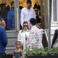 Exclusif - Kourtney Kardashian, Scott Disick et leurs enfants Mason, Reign et Penelope pour faire du shopping chez Louis Vuitton et Prada à New York le 30 septembre 2018.