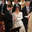 La princesse Eugenie d'York (robe Peter Pilotto) et Jack Brooksbank - Cérémonie de mariage de la princesse Eugenie d'York et Jack Brooksbank en la chapelle Saint-George au château de Windsor, Royaume Uni le 12 octobre 2018.
