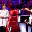 """Amel Bent dans """"The Voice Kids 5"""" sur TF1, octobre 2018. Ici avec Jenifer."""