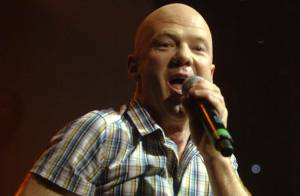 On a retrouvé... le chanteur Jimmy Somerville !