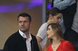 Arnaud Ducret : Doux baisers avec sa nouvelle compagne, danseuse de pole dance