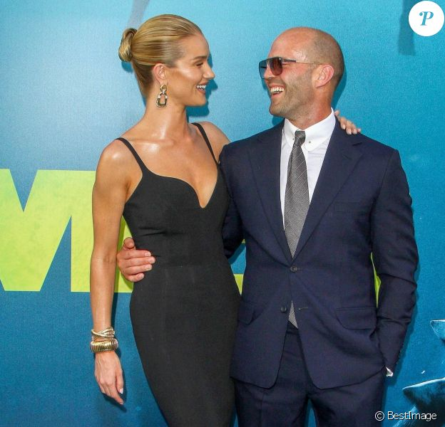 Rosie Huntington-Whiteley et son fiancé Jason Statham à la première de 'The Meg' à Hollywood, le 6 août 2018