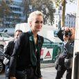 """Laeticia Hallyday se rend dans les locaux de la station de radio RTL avec son agent Laurence Favalelli pour une interview suite à la sortie de l'album de Johnny """"Mon pays c'est l'amour"""" à Neuilly-sur-Seine le 19 octobre 2018."""