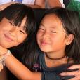 Jade et Joy Hallyday le jour de l'anniversaire de Joy à Saint-Barthélemy. Juillet 2018.