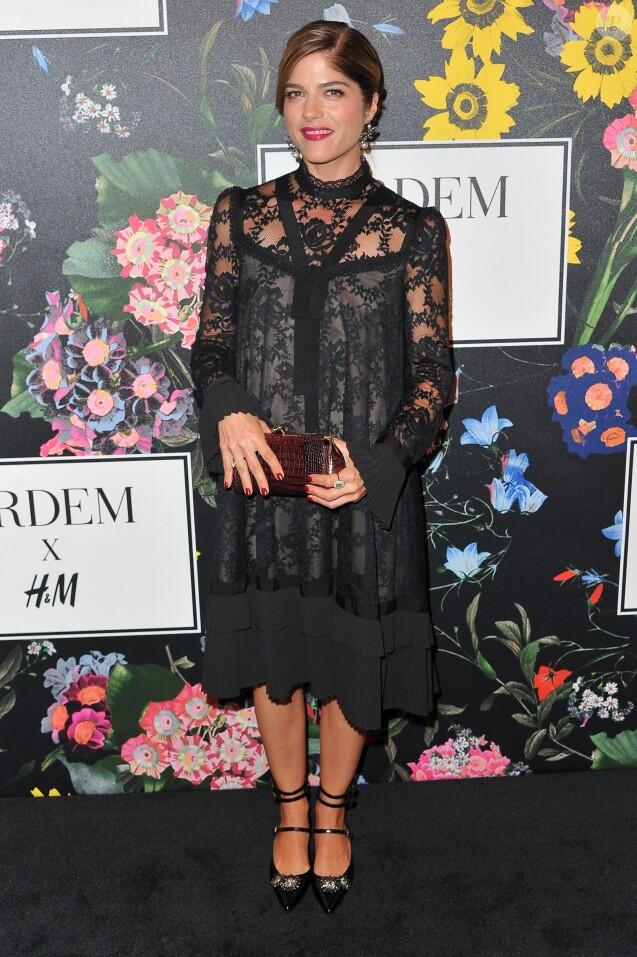 """Selma Blair au photocall de la soirée """"H&M X Erdem"""" à Los Angeles, le 7 octobre 2018."""