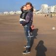 Sylvie Tellier et sa petite Margaux, le 22 octobre 2018 aux Sables d'Olonne.