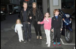 Ronan Keating : un dîner avec sa femme et ses trois enfants... et une ode à la famille dans son nouveau clip ! Regardez-le !