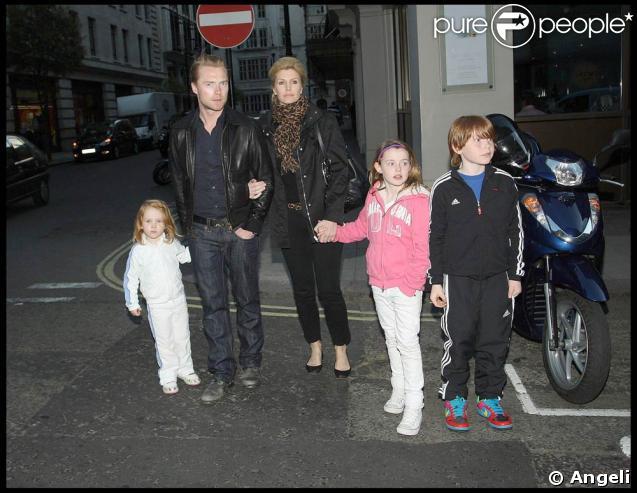 Ronan Keating, sa femme Yvonne Connolly, leurs deux filles Alie et Marie et leur fils Jack