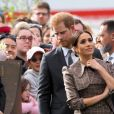 Le prince Harry, duc de Sussex, et Meghan Markle, duchesse de Sussex, enceinte visitent le parc commémoratif de la guerre de Pukeahu à Wellington, en Nouvelle-Zélande le 28 octobre 2018.