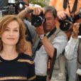 Isabelle Huppert lors du photocall précédant la cérémonie d'ouverture du 62e Festival de Cannes le 13 mai 2009