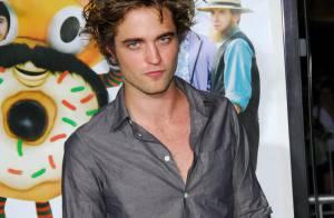 Robert Pattinson va être le fils de Hugh Jackman... Quelle famille sexy !