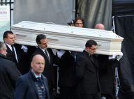Johnny Hallyday : Ses fans s'arrachent le même cercueil, un business juteux
