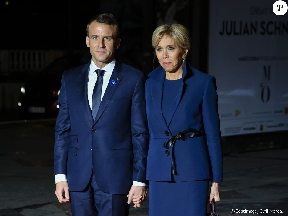 http://static1.purepeople.com/articles/6/31/23/26/@/4421552-le-president-de-la-republique-francaise-950x0-2.jpg
