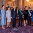 La princesse héritière Victoria, son mari le prince Daniel, le prince Carl Philip, sa femme la princesse Sofia se sont joints au roi Carl XVI Gustaf et à la reine Silvia de Suède le 13 novembre 2018 pour souhaiter la bienvenue au président italien Sergio Mattarella et sa fille Laura, en visite officielle.
