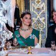 La princesse héritière Victoria de Suède lors du dîner officiel donné au palais Drottningholm à Stockholm le 13 novembre 2018 pour la visite officielle du président italien Sergio Mattarella et sa fille Laura.