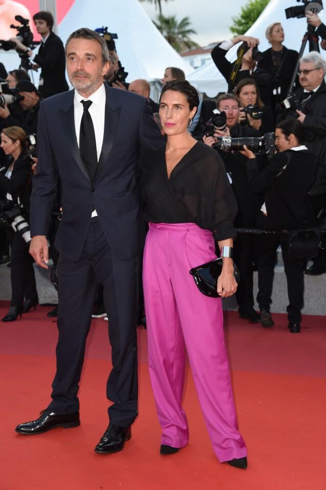 """Alessandra Sublet et son mari Clément Miserez - Montée des marches du film """"Le Grand Bain"""" lors du 71ème Festival International du Film de Cannes. Le 13 mai 2018 © Giancarlo Gorassini / Bestimage"""
