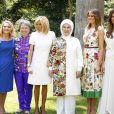 Les conjointes des dirigeants du G20, la Turque Emine Erdogan, la Canadienne Sophie Grégoire-Trudeau, la Chinoise Peng Liyuan, l'Argentine Juliana Awada, l'Américaine Melania Trump, la Singapourienne Lee Hsien Loong, la femme du président du Conseil européen Malgorzata Tusk, la Sud-Coréenne Kim Jung-sook, la Française Brigitte Macron, la Japonaise Akie Abe, l'Indonésienne Mufidah Jusuf Kalla, la femme du président de la BID, Maria Gabriela Sigala, ainsi que la femme du président du Financial Stability Board, Diana Carney, posent à la Villa Ocampo à San Isidro, Argentine, le 30 novembre 2018, dans le cadre du programme des conjoints en marge du sommet du G20. © G20 Argentina/Zuma Press/Bestimage