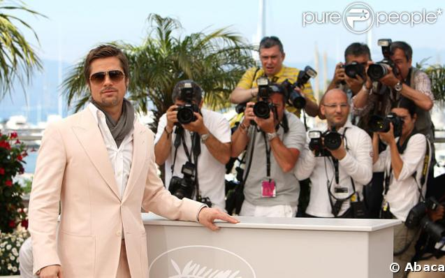 Brad Pitt lors du photocall d'Inglourious Basterds à Cannes le 20 mai 2009 lors du Festival de Cannes
