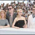 Mélanie Laurent, Quentin Tarantino, Diane Kruger et Brad Pitt lors du photocall d'Inglourious Basterds à Cannes le 20 mai 2009 lors du Festival de Cannes