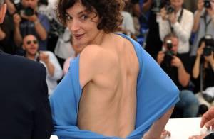 Jeanne Balibar dévoile sa silhouette avec charme et malice... et se met la Croisette à dos !
