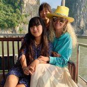 """Laeticia Hallyday émouvante au Vietnam : """"Les larmes me montent souvent..."""""""