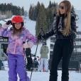 Mariah Carey et sa fille Monroe au ski à Aspen (Colorado). Décembre 2018.