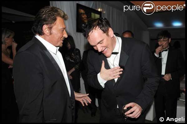 Quentin Tarantino, le génie du cinéma, félicitant la superstar du rock français : un grand moment !