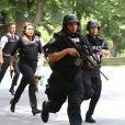 """Mariska Hargitay sur le tournage de """"New York Police Judiciaire"""" à New York, le 13 juillet 2016."""