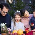 La princesse héritière Victoria de Suède, le prince Daniel et leurs enfants la princesse Estelle et le prince Oscar, photo officielle pour les fêtes de fin d'année 2018. ©Tiina Björkbacka / Cour royale de Suède