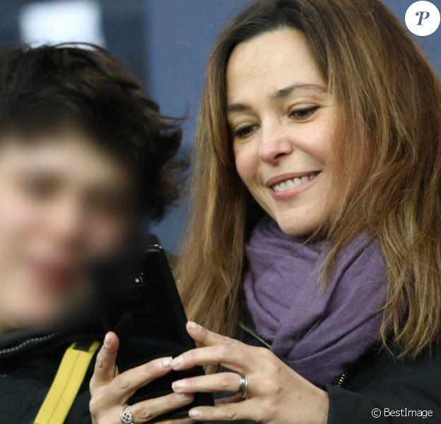 Sandrine Quétier et son fils Gaston - People dans les tribunes du match de football PSG - Guingamp (9-0) au Parc des Princes à Paris le 19 janvier 2019.