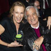 Estelle Lefébure, divine, célèbre sa récompense avec Jean-Paul Belmondo