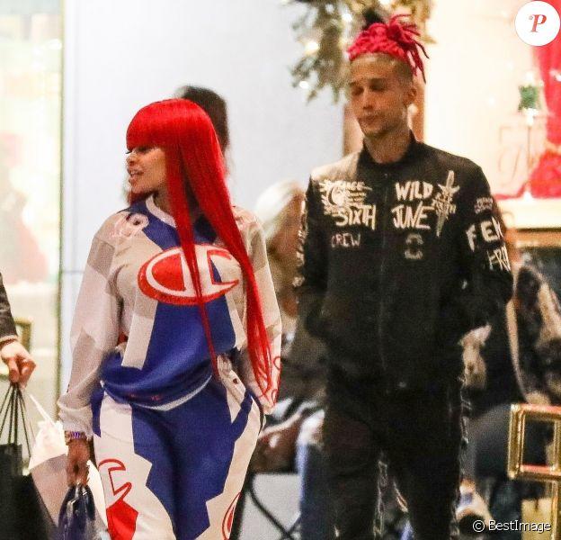 Exclusif - No web - Blac Chyna et son nouveau compagnon le rappeur Kid Buu sont allés faire du shopping chez Saks Fifth Avenue à Beverly Hills, le 30 décembre 2018.