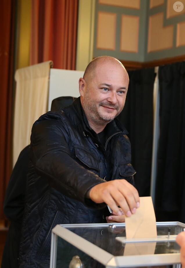 Sébastien Cauet vote à la mairie du Touquet pour le second tour de l'élection présidentielle le 7 mai 2017. © Dominique Jacovides - Sébastien Valiela / Bestimage