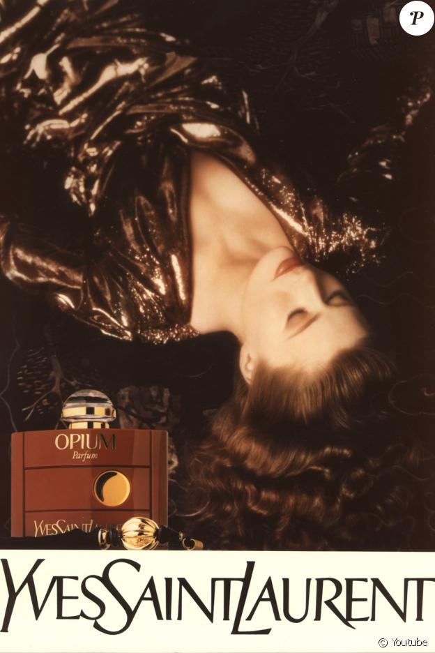 Nastasia Urbano, égérie du parfum Opium d'Yves Saint Laurent.