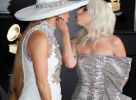 Lady Gaga et Jennifer Lopez : Bisou mémorable aux Grammy Awards