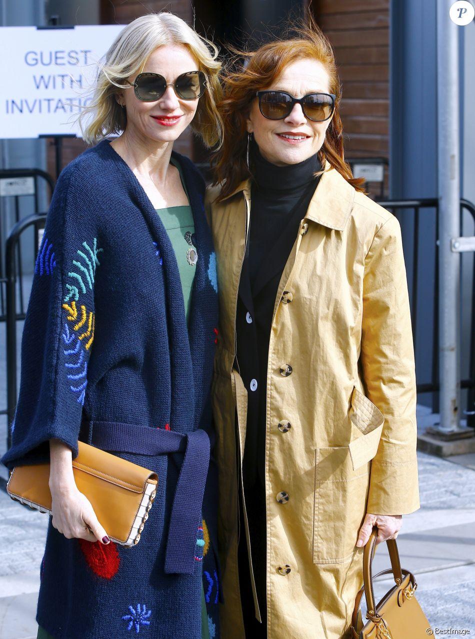 Naomi Watts et Isabelle Huppert arrivent au défilé Tory Burch lors de la Fashion Week de New York, le 10 février 2019.