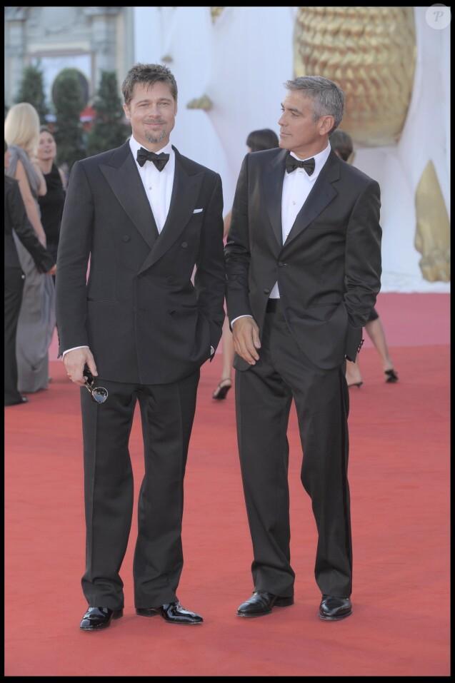 Brad Pitt, George Clooney - Tapis rouge du film Burn After Reading à Venise en 2008