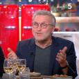 """Le 18 février 2019, sur le plateau de """"C à vous"""" (France 5), Laurent Ruquier s'explique sur sa blague sexiste et polémique concernant Vaimalama Chaves, notre Miss France 2019."""