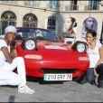 10e Rallye des Princesses. Au départ de la place Vendôme, le 1er juin 2009 : Chris Mayne et Cindy Fabre