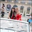 10e Rallye des Princesses. Au départ de la place Vendôme, le 1er juin 2009 : Eva Jaerhling et Florence Dehaine