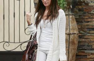 Ashley Tisdale : ALERTE ! La jolie brunette semble atteinte du syndrome... Lindsay Lohan ! Elle est maigrissime...
