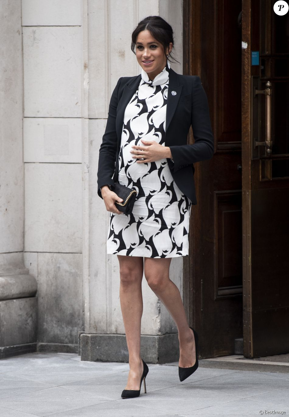 "A l'occasion de la journée mondiale du droits des femmes, Meghan Markle (enceinte), duchesse de Sussex, a participé à une discussion conjointe avec le Trust ""The Queen's Commonwealth"" au King's College à Londres. Le 8 mars 2019"