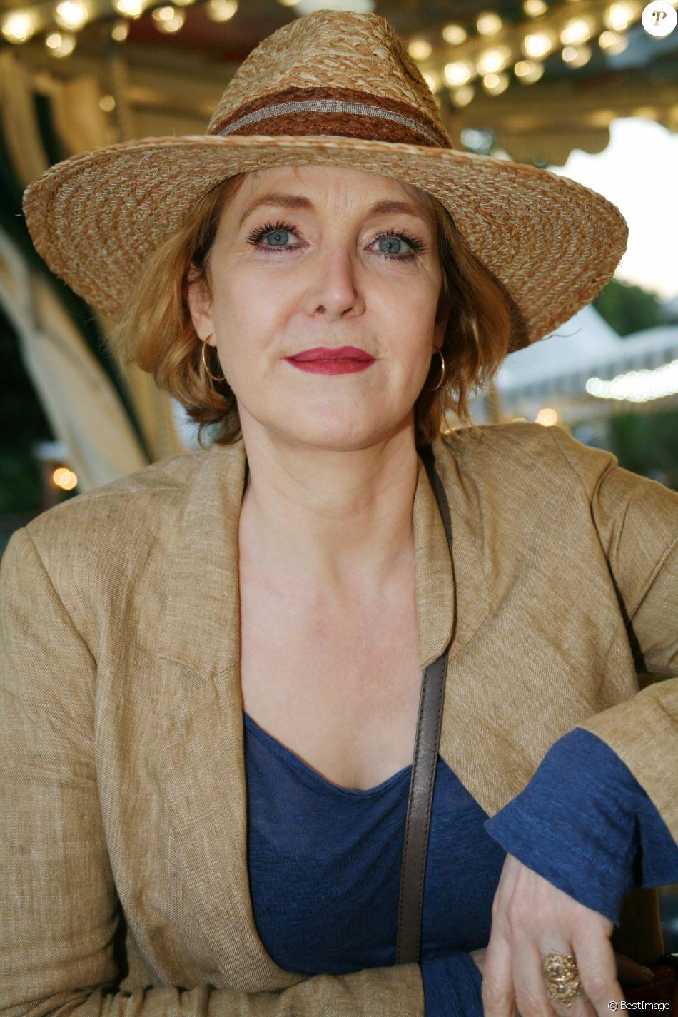 Agnès Soral - Ouverture de la 34ème Fête foraine des Tuileries au jardin des Tuileries à Paris, France, le 23 juin 2017. © JLPPA/Bestimage
