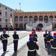 Le prince Albert II et la princesse Charlene de Monaco ont accueilli en visite officielle le président Chinois Xi Jinping et sa femme Peng Liyuan le 24 mars 2019 dans la cour d'honneur du palais princier à Monaco. © Bruno Bebert / Bestimage
