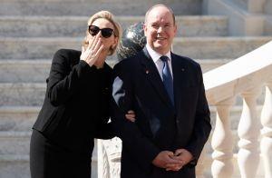 Charlene de Monaco chic au bras d'Albert pour Xi Jinping, Jacques les espionne !