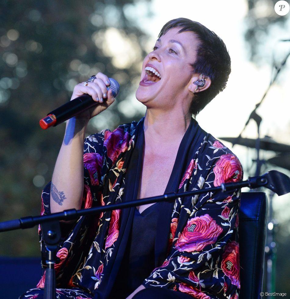 Alanis Morissette au concert caritatif en soutien au Woolsey Fire au Festival One Love Malibu au King Gillette Ranch à Calabasas, le 2 décembre 2018